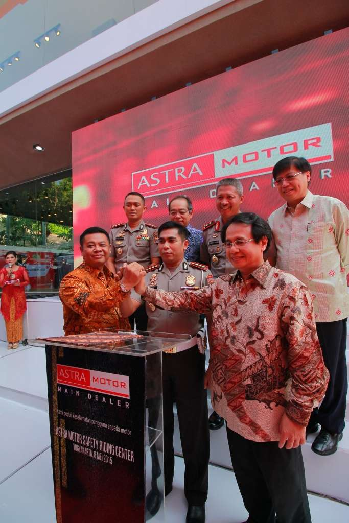 Safety Riding Center Pertama Astra Motor Dibuka