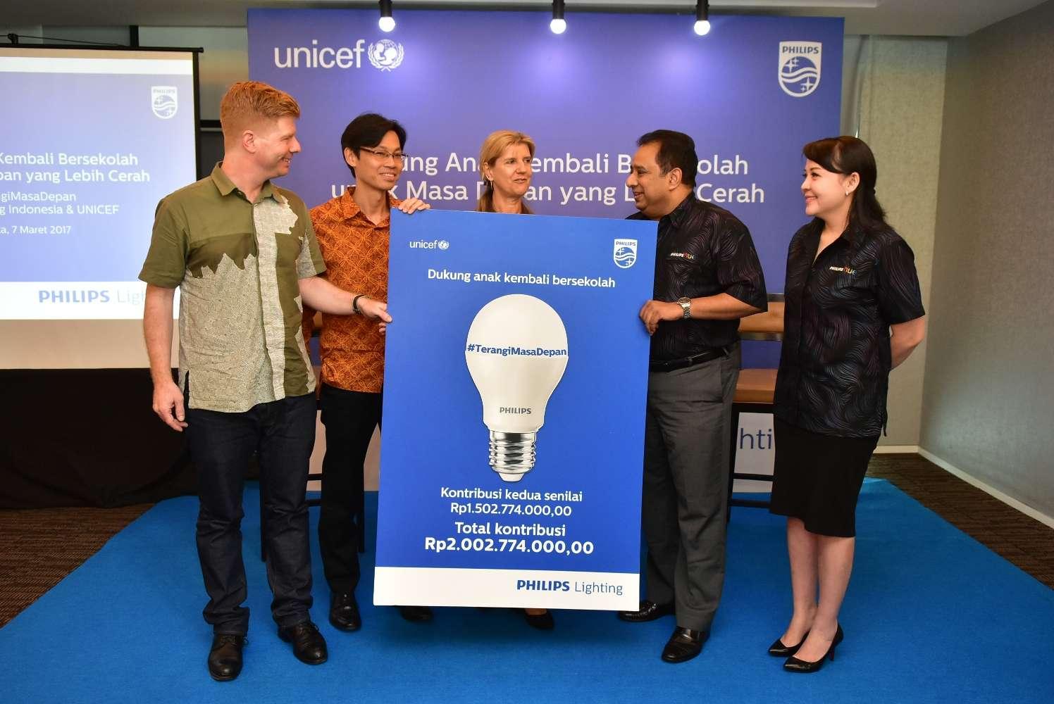Terangi Masa Depan Anak Indonesia Bersama Philips Lighting