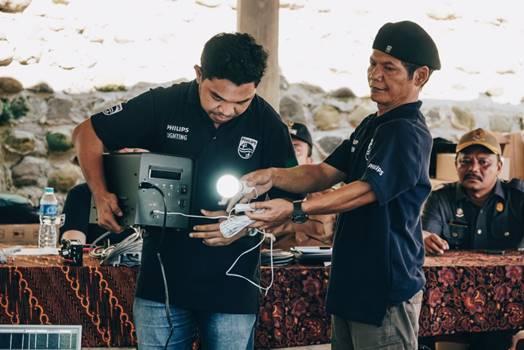 Berkat Philip Dusun Kami Tak lagi Gelap