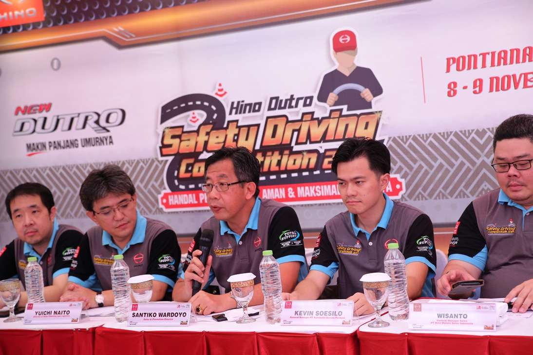 Hino Dutro Safety Driving Competition Tiba di Kota Khatulistiwa