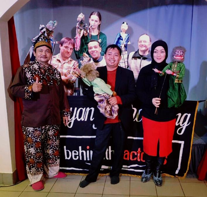 Teater Behind The Actors Bandung Raih The Best dalam Red Mood Festival di Rusia