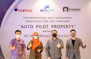 Ari Kho (Sales Manager MEGACITY), Ary Shita Widhiastuti (General Manager MEGACITY), Andre Bunardi (Lead Aquisition Manager, Travelio) dan Charlie Lim (GM REMAX Indonesia) berfoto bersama. | IST